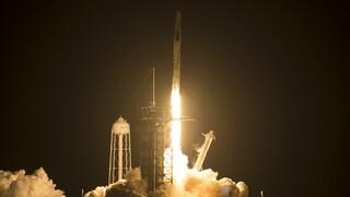 Roskosmos: Θέλει να πετάξουν κοσμοναύτες της με τα διαστημόπλοια του Ίλον Μάσκ