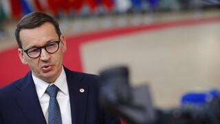 Πολωνία κατά ΕΕ: «Μας έχουν βάλει το πιστόλι στον κρόταφο»