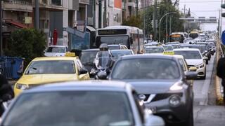Κίνηση: Μετ' εμποδίων οι μετακινήσεις και σήμερα - Μεγάλο μποτιλιάρισμα και προβλήματα στον Κηφισό