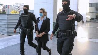 Δίκη για το βιτριόλι: Ποινή κάθειρξης 15 ετών για απόπειρα ανθρωποκτονίας στην Έφη Κακαράντζουλα
