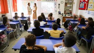 Κορωνοϊός: «Εκτόξευση» κρουσμάτων και στα παιδιά - Στις 5.970 οι νέες μολύνσεις