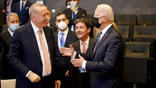Σε ανοικτό δίαυλο ΗΠΑ - Τουρκία μετά τις απειλές Ερντογάν για απέλαση πρέσβεων της Δύσης