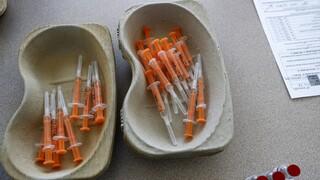 Κορωνοϊός - Imperial College: Οι εμβολιασμένοι μπορούν να μεταδώσουν την παραλλαγή Δέλτα